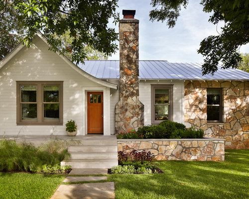 Great Small Traditional One Story Wood Exterior Home Idea In Austin