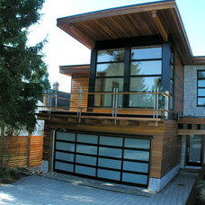 Modern Exterior by Bear Creek Special Projects (BCprojects.ca)