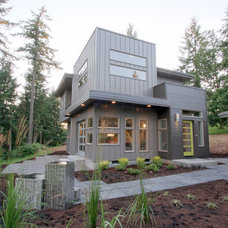 Modern Exterior by Jordan Iverson Signature Homes