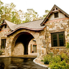 craftsman exterior by Gabriel Builders Inc.