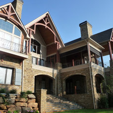 Rustic Exterior by Gabriel Builders Inc.