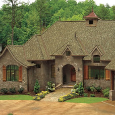 Traditional  by Wedge Roofing