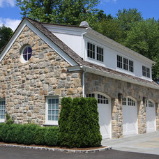 Traditional Exterior by Conte & Conte, LLC