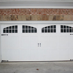High Quality Stamped Carriage Garage Doors