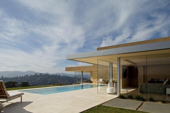 Modern Exterior by Jamba Construction
