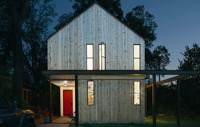 Houzz Tour: Elbow Grease and Steel Create a Modern Texas Farmhouse