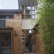 Modern Exterior by Gary Earl Parsons, Architect