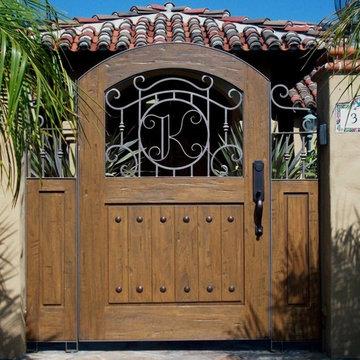 Gates Brazilian Mahogany San Lucas SB close up.jpg