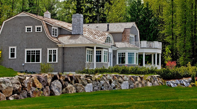 Traditional Exterior by Gelotte Hommas Architecture