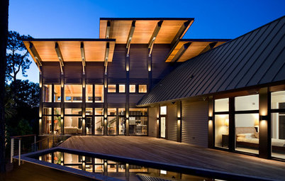 Houzz Tour: Glass House on a Lowcountry Lagoon