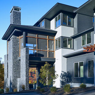 Inspiration for an eclectic exterior home remodel in Atlanta