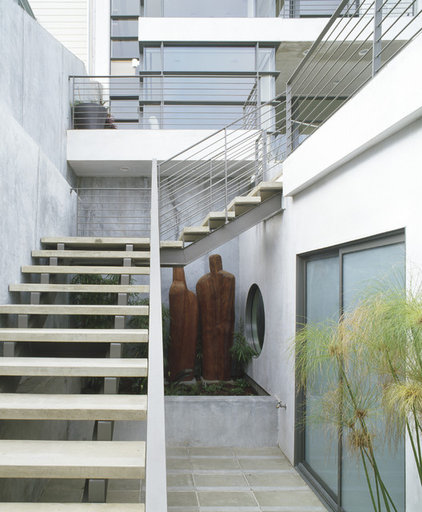 Contemporary Exterior by Outer space Landscape Architecture