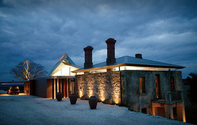 Houzz Tour:  Modern Retreat Emerges From a 19th-Century Ruin