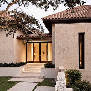 Foto della facciata di una casa tropicale