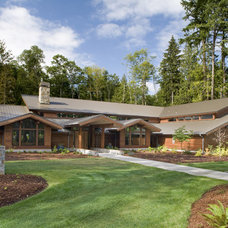 Traditional Exterior by Roberts Wygal