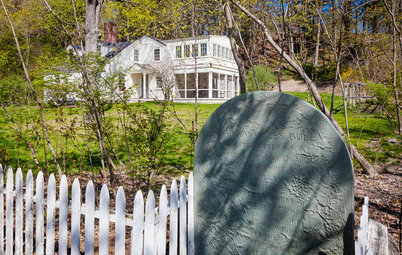 Houzz Tour: Historic Concord Grapevine Cottage's Charms Restored