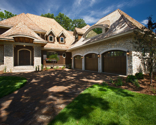 Side load garage houzz for Side garage house plans