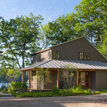 Houzz Tour: Summer Camp Style for a Lakeside Home in Maine