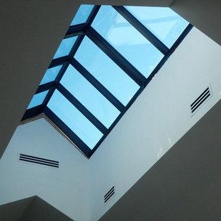 Ejemplo de fachada ecléctica de tamaño medio
