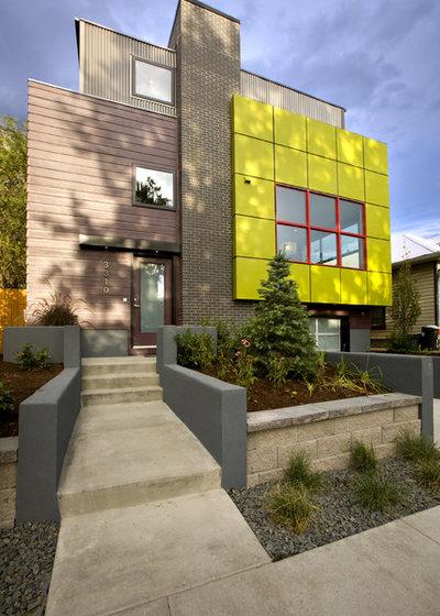 Modern Exterior by RE.DZINE
