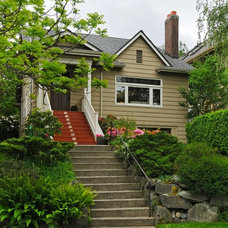 Craftsman Exterior by Seattle Staged to Sell and Design LLC