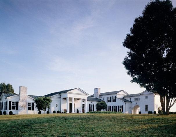 Farmhouse Exterior by Ike Kligerman Barkley