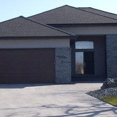 Modern Exterior by Horrill Construction Ltd.