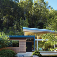 Midcentury Exterior by Griffin Enright Architects