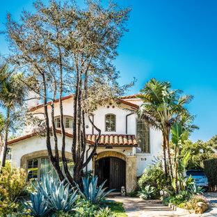 Свежая идея для дизайна: дом в средиземноморском стиле - отличное фото интерьера