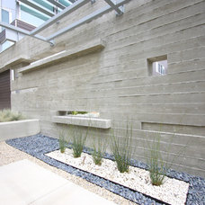 Modern Exterior by Grounded - Richard Risner RLA, ASLA