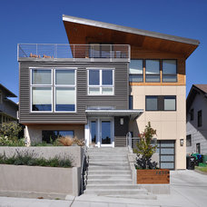 Contemporary Exterior by grouparchitect