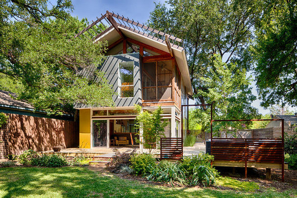 Contemporary Exterior by A.GRUPPO Architects - Dallas