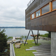 Contemporary Exterior by Robert Hutchison Architecture