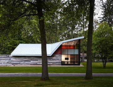 Gull Lake Guesthouse