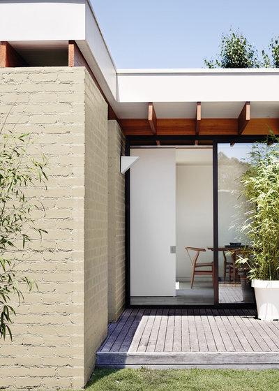 Exterior by Dulux Paint