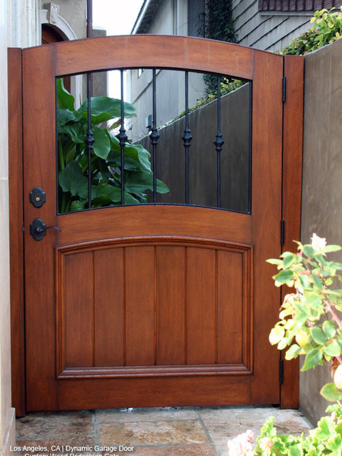 Wooden garden gates houzz for Home garden design houzz
