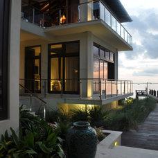 Tropical Exterior by B Pila Design Studio