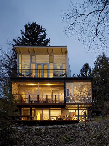 Modern Exterior by Studio Agoos Lovera
