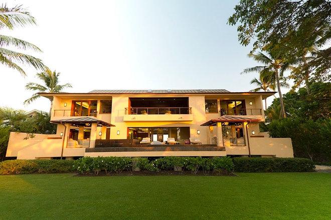 Tropical Exterior by Sanborn Design Associates, Inc.