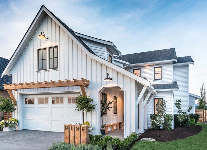 Farmhouse Exterior by Su Casa Design Inc.
