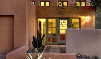 Ojai House - Entrance Courtyard