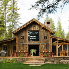 Rustic Exterior by RMT Architects