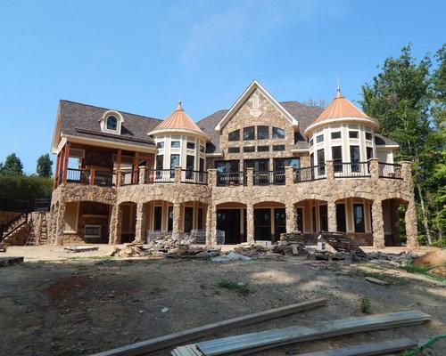 Foto e idee per facciate di case facciata di una casa for Piani di casa in stile ranch tradizionale