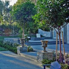Traditional Exterior by Stephanie Ann Davis Landscape Design
