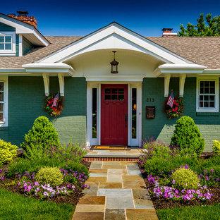 Idéer för vintage gröna hus, med tegel