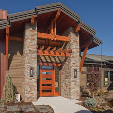 Craftsman Entry by Norman Building & Design