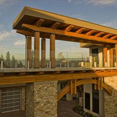 Contemporary Exterior by Begrand Fast Design Inc.