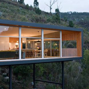 Einstöckiges Modernes Haus mit Flachdach in Hobart