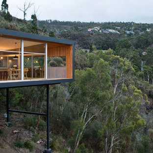 Highway House by Room 11