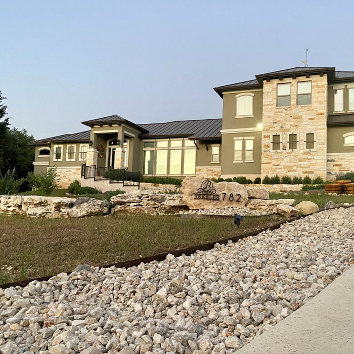 Hill-Co./Tuscan: 2,984 ft²/3 bd/3 bth/2ST